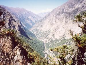 ヒマラヤの渓谷